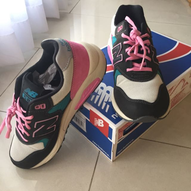 huge selection of 72081 30025 For Sale) New Balance Sneakers MRT580