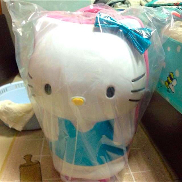 免運hello Kitty18吋拉桿行李箱
