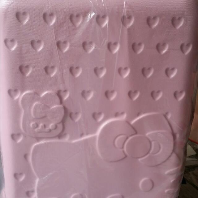降價求售!全新HELLO KITTY 粉色24吋行李箱,出遊旅行首選✋