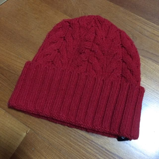 JOJO紅色毛帽