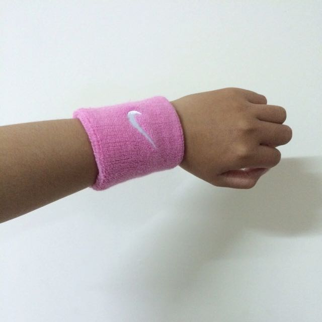 NIKE粉色護腕