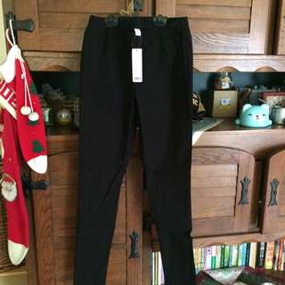 待匯-(全新)lativ  黑色彈力顯瘦窄管褲 M號