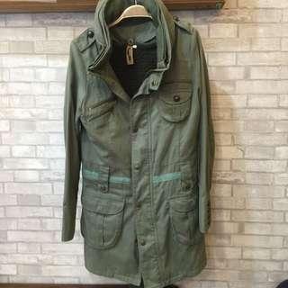 軍綠帥氣外套