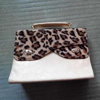 二手豹紋手提包