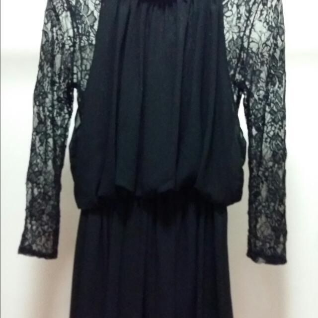 黑色蕾絲洋裝