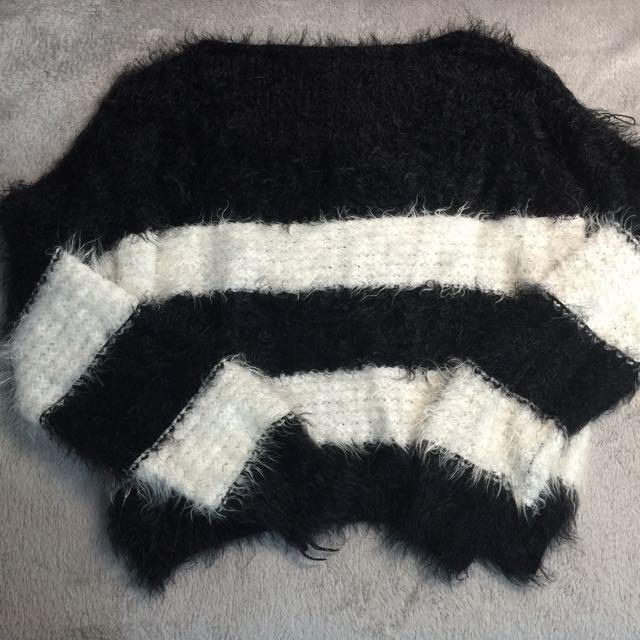 黑白橫條毛衣