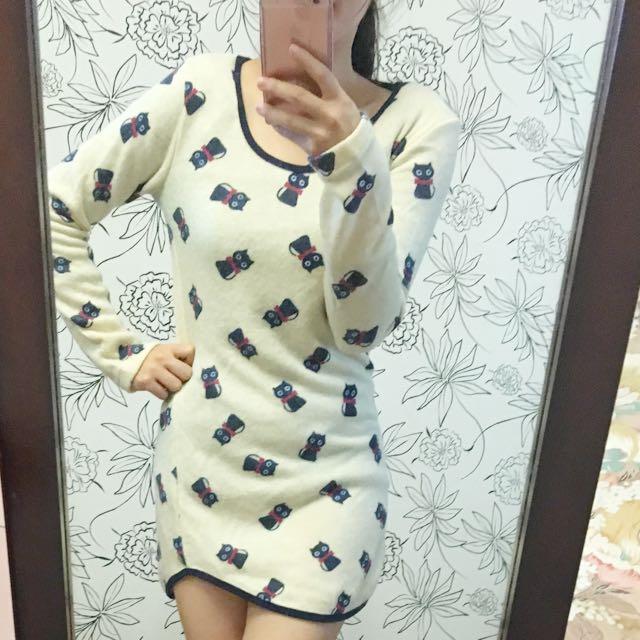 貓咪毛料米白長版洋裝