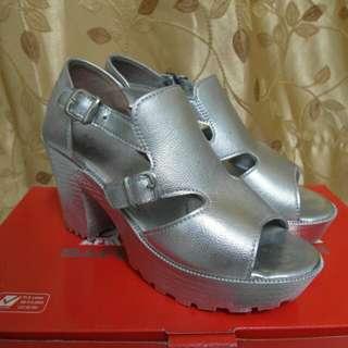 銀色高跟厚底鞋