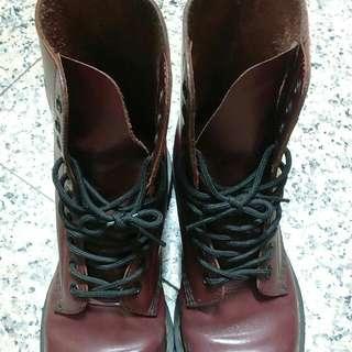 馬丁鞋 Dr. Martin 八孔 酒紅 時尚二手正品靴 38號 7號 靴子 短靴 中筒靴 雪靴