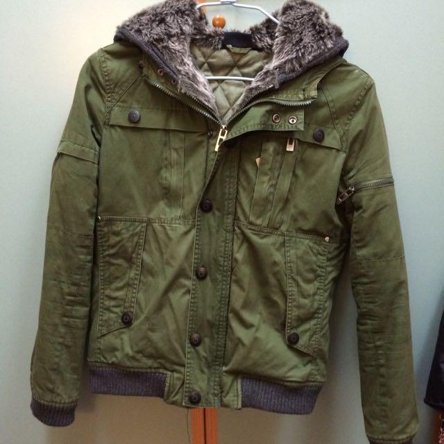 降價⬇️⬇️二手男款 軍綠超保暖休閒外套