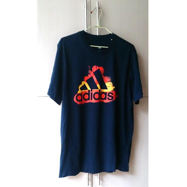 Adidas短T 全新(保留中)