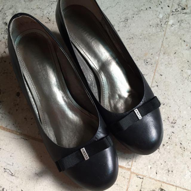 ANITA上班族低跟圓頭鞋