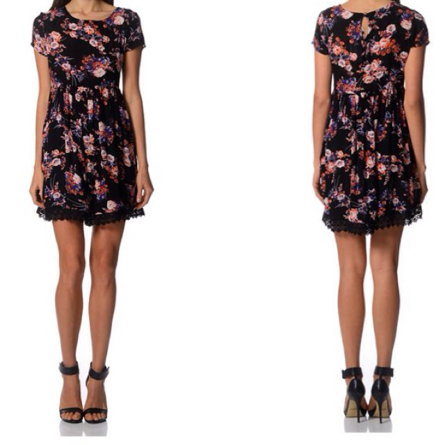 RM30⬇️ REDUCED BNWOT New Look Floral Dress
