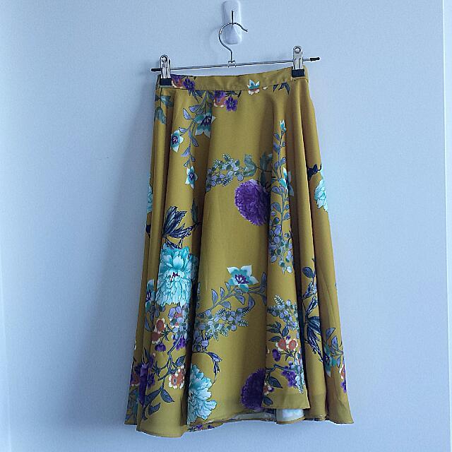 Full skirt, lined, Sz. M/Aus 10