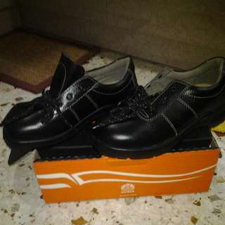 BNIB KINGS SAFETY SHOE
