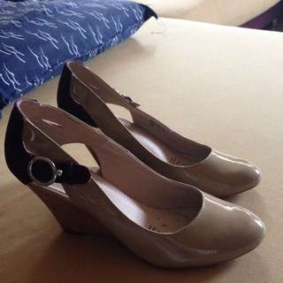 Brand New Elyse Beige Shoes