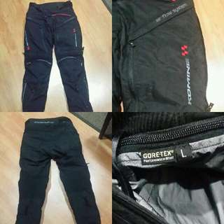 Waterproof Kominex protective pads riding pants.