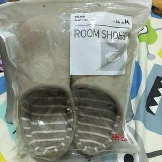 🔹Uniqlo  家用拖鞋🔹