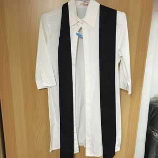 🚚 2手。GALOOP 七分袖長版白色襯衫 L。黑色那條是設計來綁做造型的 可繫腰上 當領巾