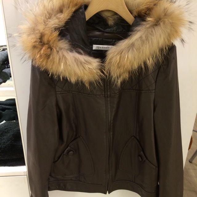專櫃購入皮衣外套