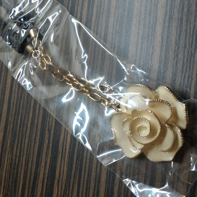 全新白玫瑰毛衣鍊