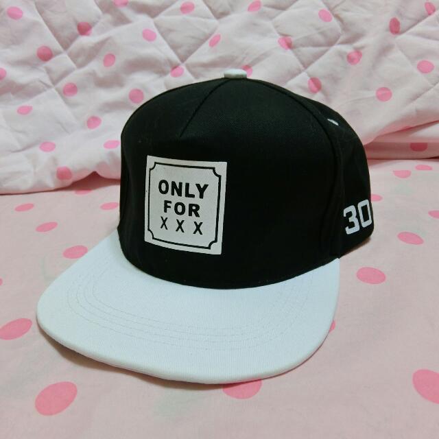 太妍 黑白棒球帽