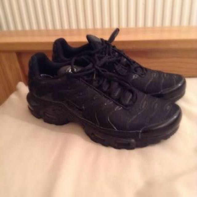 all black tuned Nike TN, Sports on Carousell