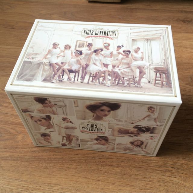 SNSD Girl's Generation Japan First Album Deluxe First Press Limited Edition CD DVD