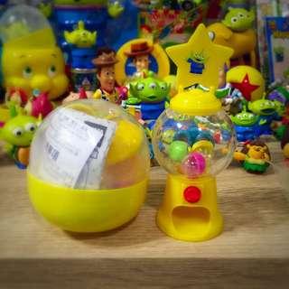 :: 玩具總動員 黃色迷你轉蛋機 扭蛋轉蛋::