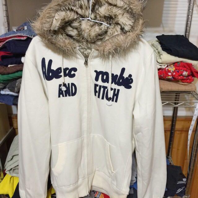 含運 A&F 白色外套
