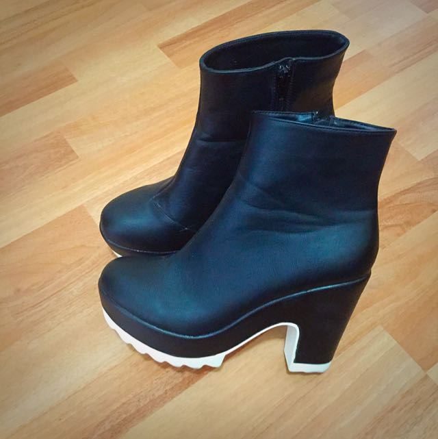 Size 9 Glassons 2-tone Boots