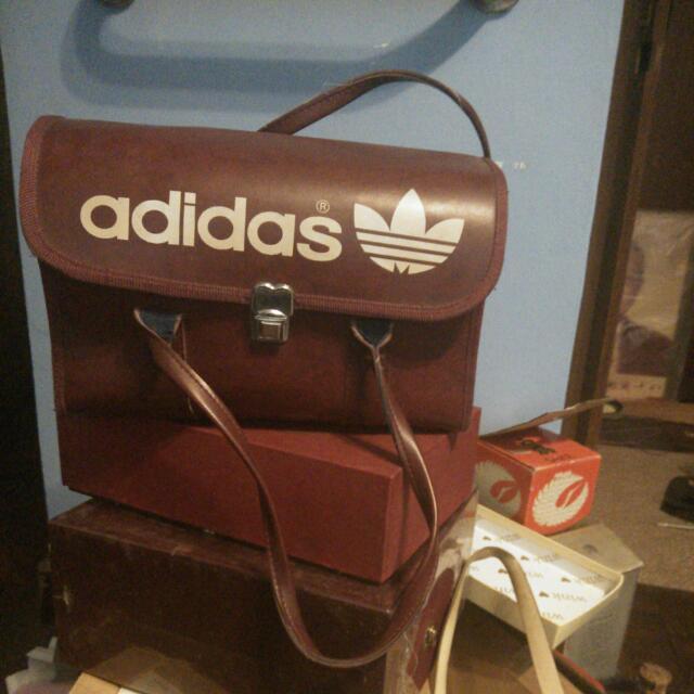 Vintage Adidas愛迪達硬殼古董包