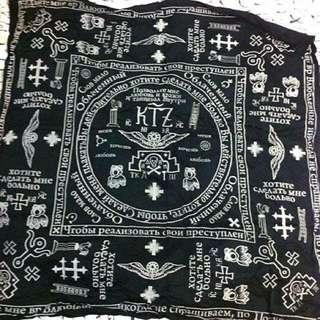 Ktz 方巾 圍巾 領巾 立體圖騰 二手 115x115