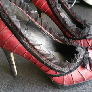 Lace & Red Shoe. Size 8
