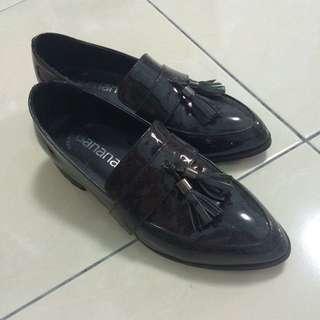 漆皮黑色平底樂福鞋💓