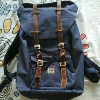 Herschel Little America Navy