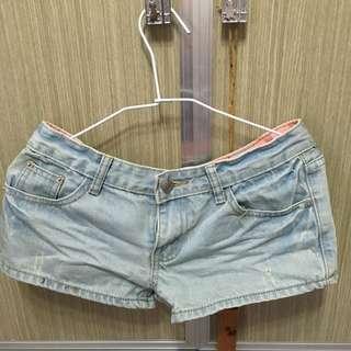 極新衣物-牛仔短褲