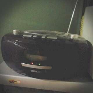 Akira Radio DVD/CD Player