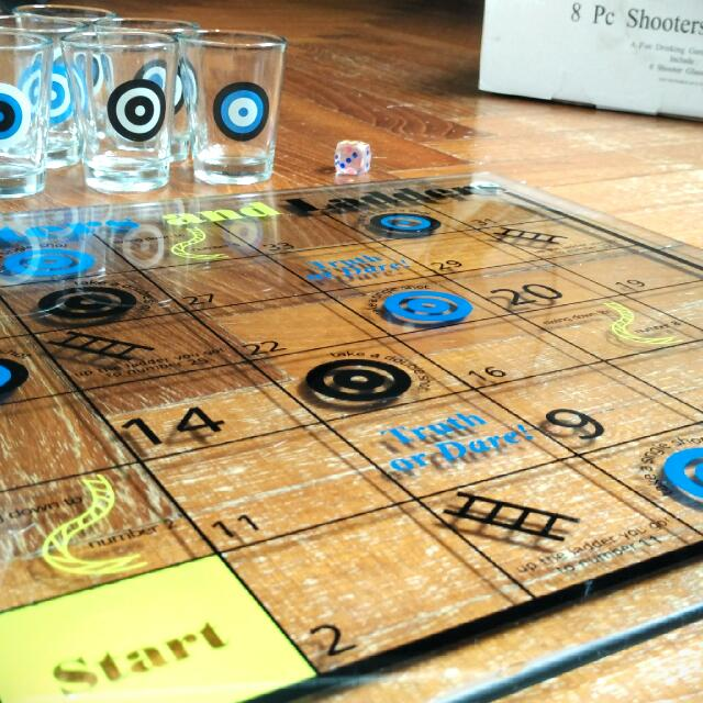 5th Avenue Crystal Shooters And Ladders Drinking Game