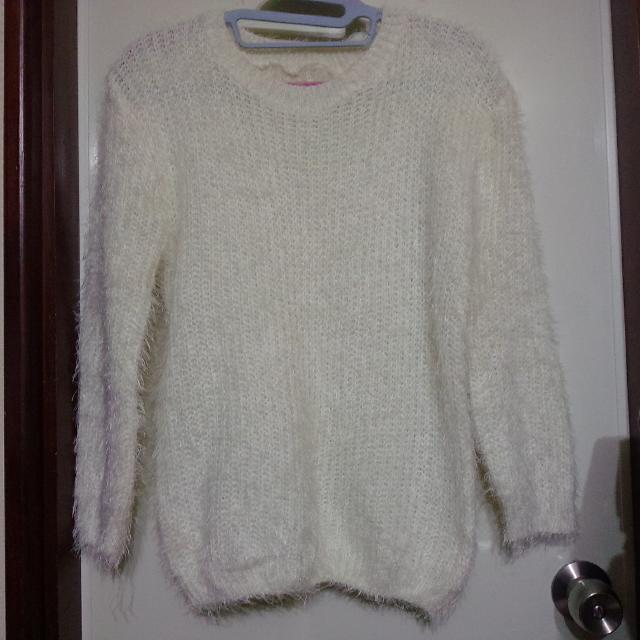 全新。含運。毛海毛衣。