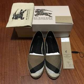 Burberry草編鞋