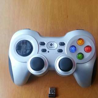 (Pending)Pre-loved Logitech Wireless Gaming Controller For PC