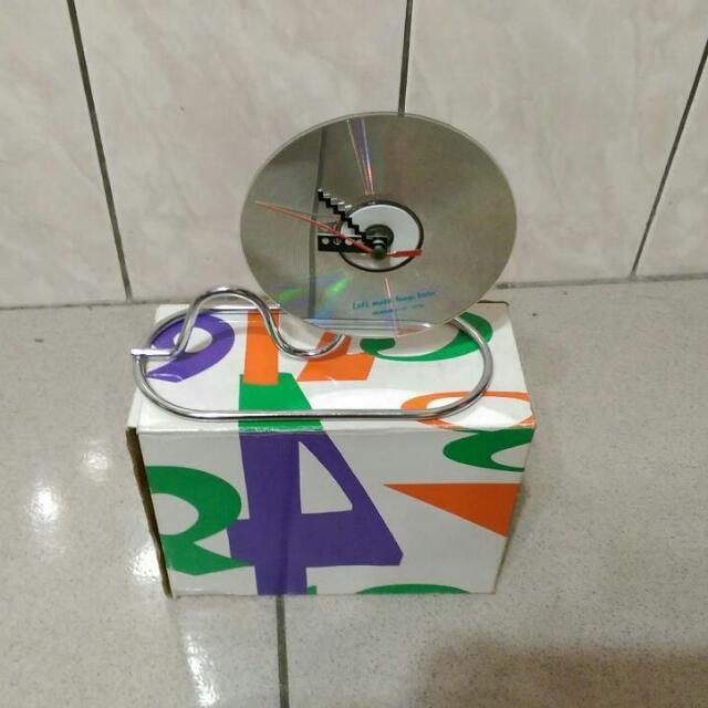 [全新] 造型光碟片時鐘