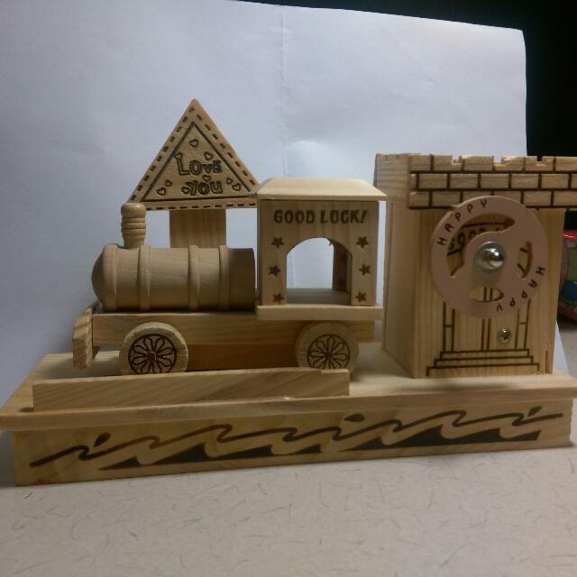 純手工木製小火車音樂盒 (會動)