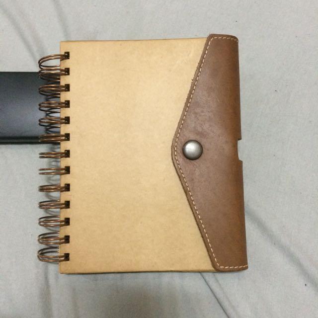 牛皮筆記本 -- 附鉛筆