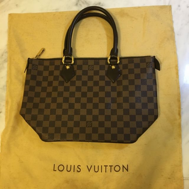 LOUIS VUITTON - Real Handbag Excellent Condition
