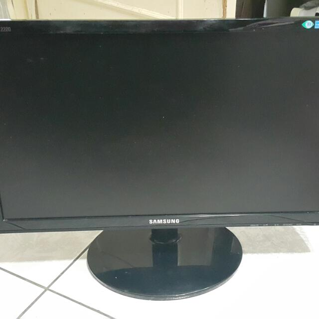 """Samgsung 電腦螢幕 1500元 21.5"""" 附桌上螢幕架及視訊頭"""