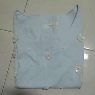 立體珍珠*花 淡藍色上衣