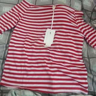 平口紅色條紋上衣