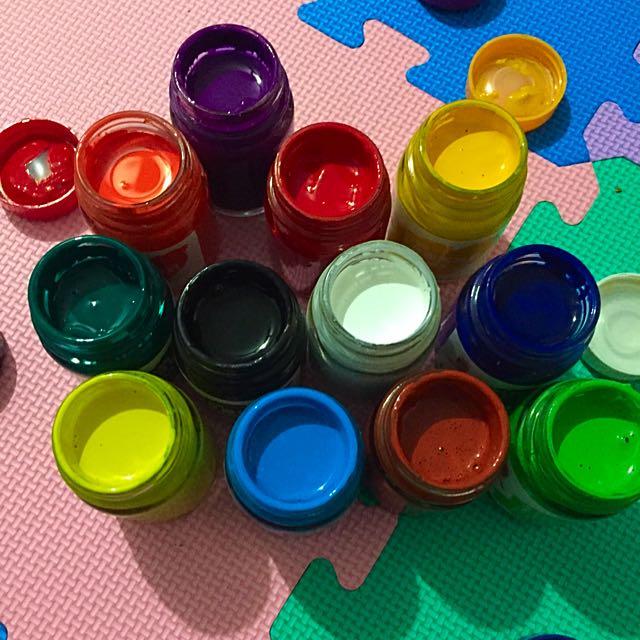 二手 雄獅廣告顏料12色 (60cc)